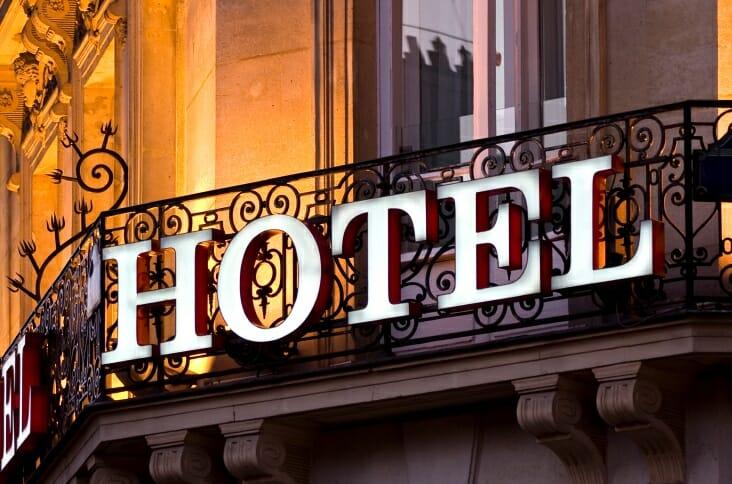 Kinh dianh khách sạn là gì?