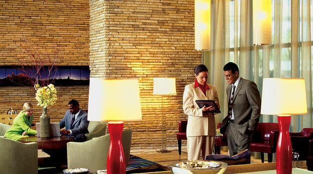 Nhiều nhân tố ảnh hưởng đến khách sạn
